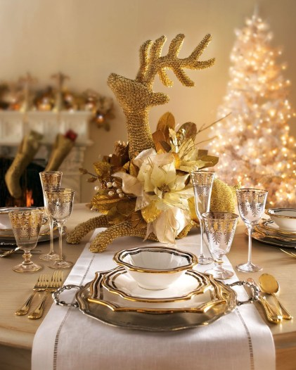 Luxury Christmas Table Decoration For Celebrating Christmas This Year 29