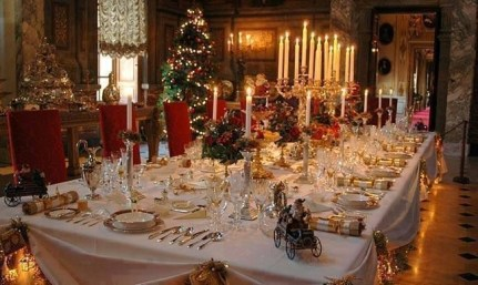 Luxury Christmas Table Decoration For Celebrating Christmas This Year 33