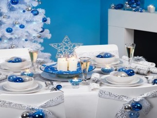 Luxury Christmas Table Decoration For Celebrating Christmas This Year 45