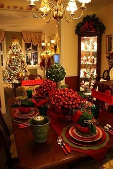 Luxury Christmas Table Decoration For Celebrating Christmas This Year 46