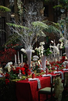 Luxury Christmas Table Decoration For Celebrating Christmas This Year 47