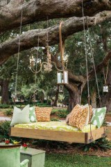 Relaxing Suspended Outdoor Beds That Will Transform Your Year 07