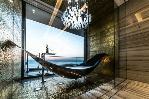 Relaxing Suspended Outdoor Beds That Will Transform Your Year 15