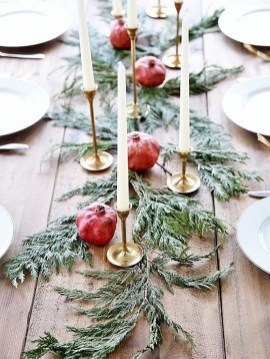 Tips To Make DIY Christmas Table Decorations 16