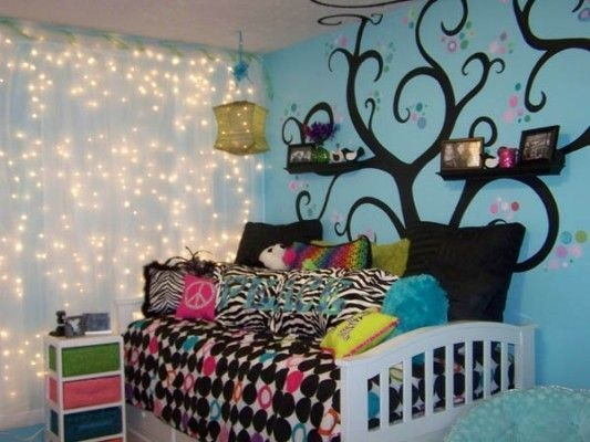 Ways To Use Christmas Light In Your Room 07