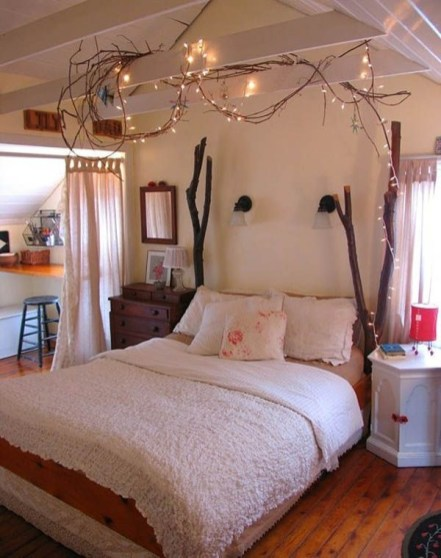Ways To Use Christmas Light In Your Room 31