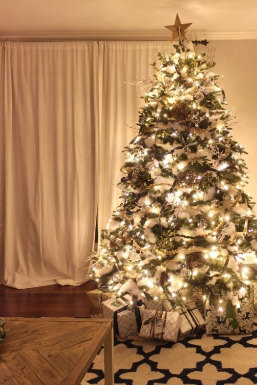 Ways To Use Christmas Light In Your Room 37