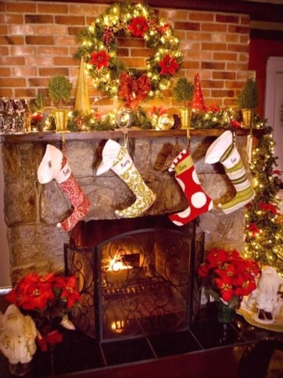 Winter Fireplace Decoration Ideas 19