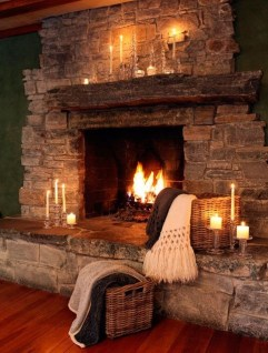 Winter Fireplace Decoration Ideas 40
