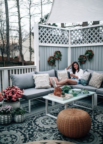 Best Deck Decorating Ideas For Outdoor Space 05