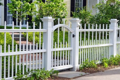 Amazing House Fence You Can Build In Your Garden 08