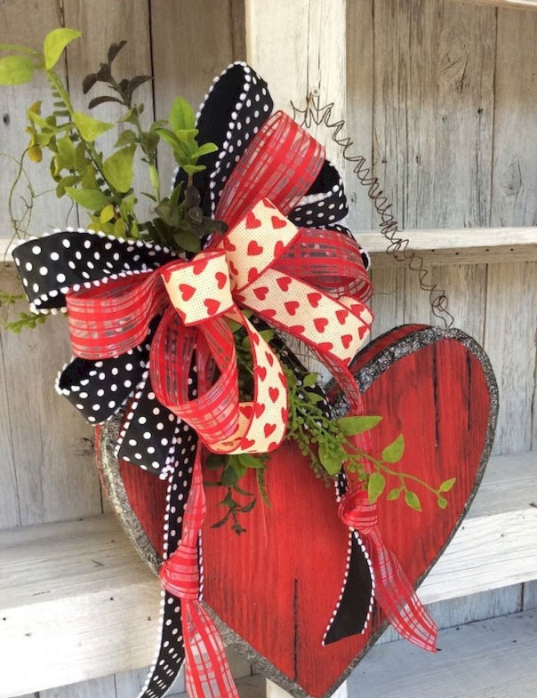 Best DIY Rustic Decoration Idea For Valentine Party 36