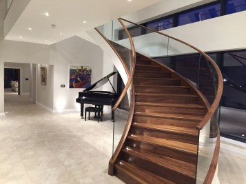 Best And Elegant Wooden Stairs In Your House 11