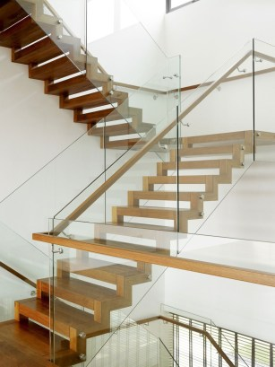 Best And Elegant Wooden Stairs In Your House 36