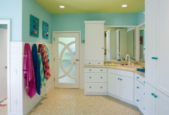 Stunning Colorful Bathroom Decoration For Your Kids 06