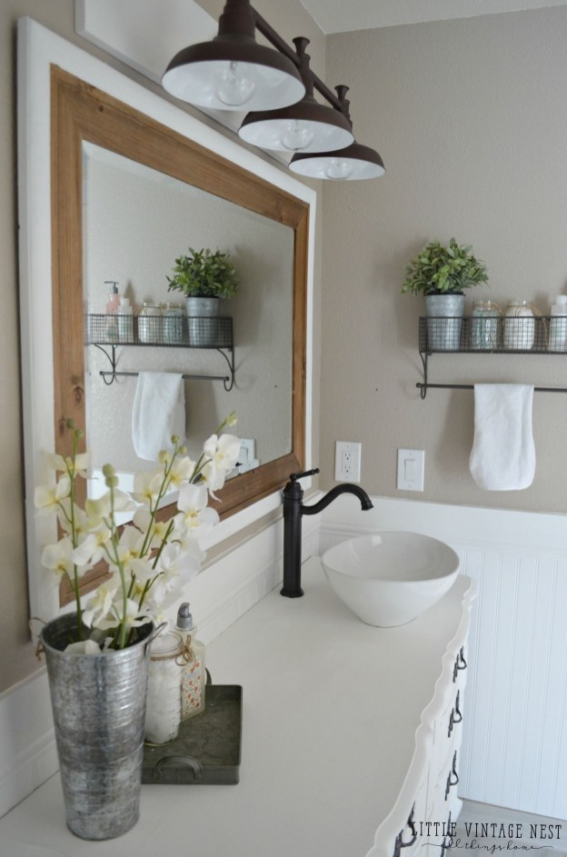 Vintage Farmhouse Bathroom Decor You Will Try 06