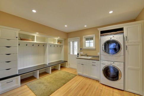 Contemporary Laundry Room Decor Ideas You Can Try For Your House 33