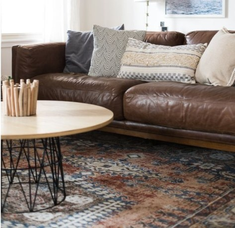 Cozy And Simple Rug Idea For Small Living Room 08
