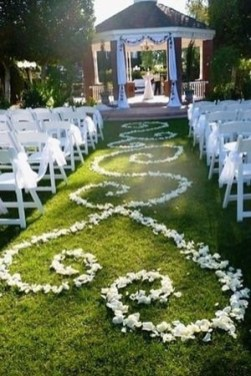 Create Beautiful Outdoor Wedding Decoration You Will Love 34