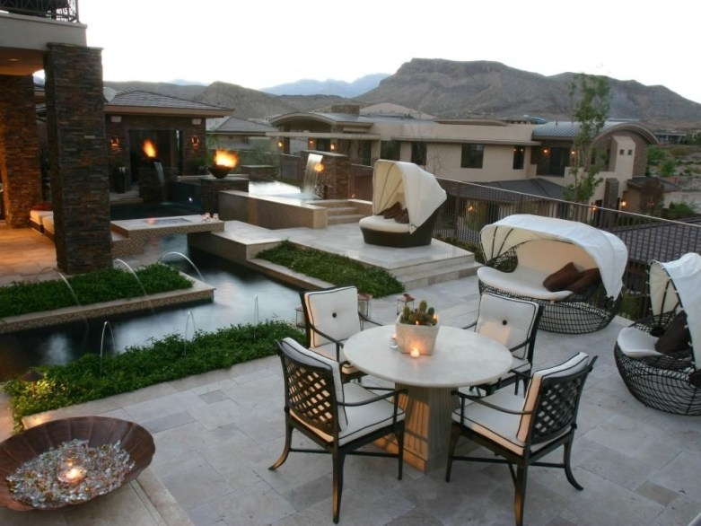 Incredible Small Backyard Ideas For Relax Space 09