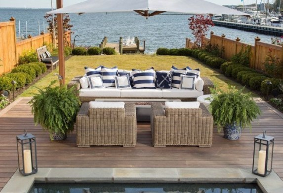 Incredible Small Backyard Ideas For Relax Space 16