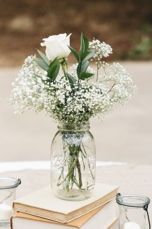 Simple Centerpieces Decoration For Inspiration Your Wedding 10