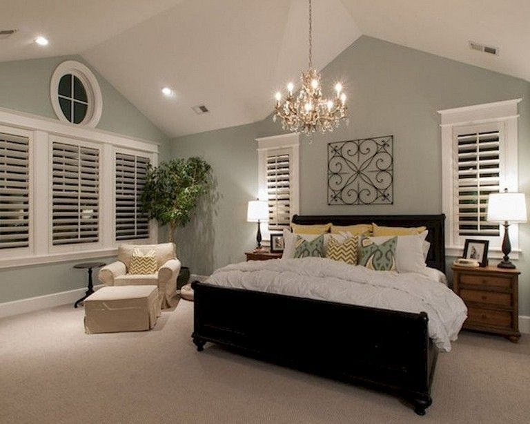 Stylish And Elegant Master Bedroom Idea For Your Family 04