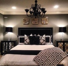Stylish And Elegant Master Bedroom Idea For Your Family 19