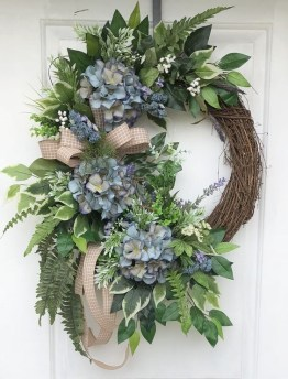 DIY Simple Spring Wreath For Your Door 12