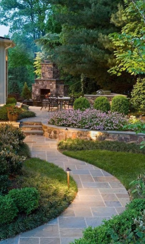 Extraordinary Garden Design Ideas To Be Inspire 11