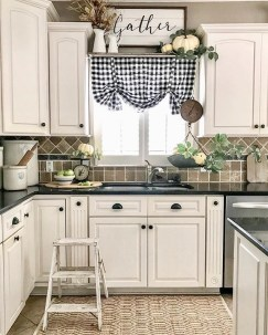 Genius Farmhouse Kitchen Decoration To Be Inspire 05