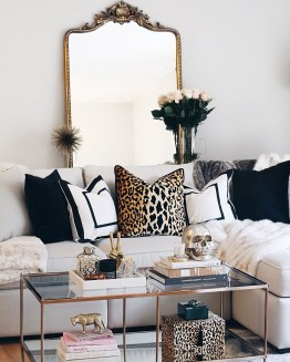 Lovely Modern Apartment Decoration For Couple 02