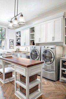 Most Inspirational For Your Laundry Room Decor This Year 23