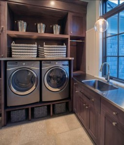 Ways To Make Small Laundry Room To Look Big Space 22