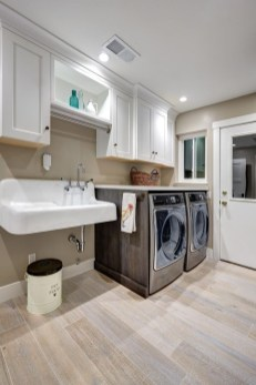 Ways To Make Small Laundry Room To Look Big Space 32