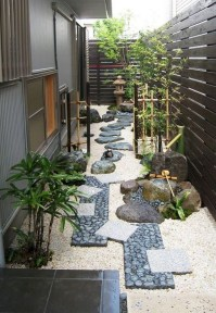 Fresh And Beautiful Side Yard Decoration You Must Have 13