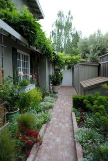 Fresh And Beautiful Side Yard Decoration You Must Have 24