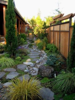 Fresh And Beautiful Side Yard Decoration You Must Have 26