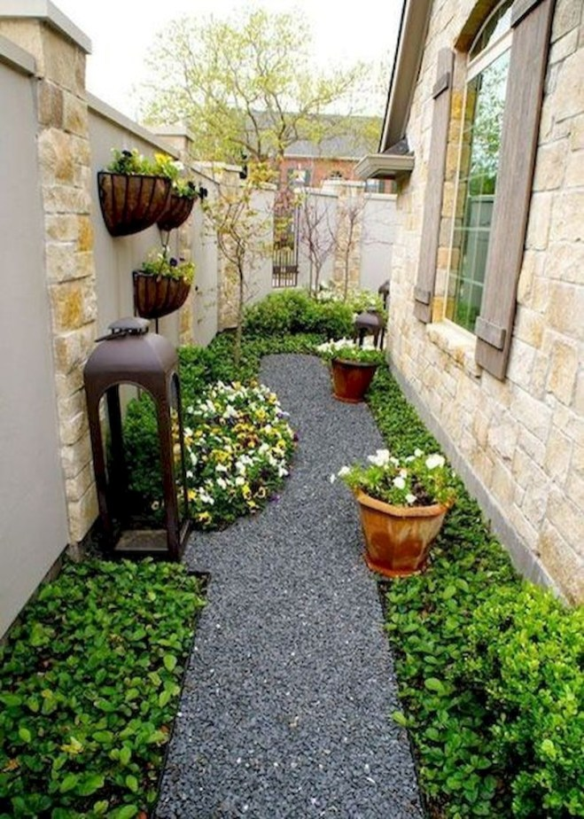 Fresh And Beautiful Side Yard Decoration You Must Have 29