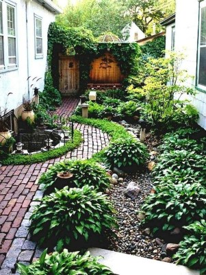Fresh And Beautiful Side Yard Decoration You Must Have 30