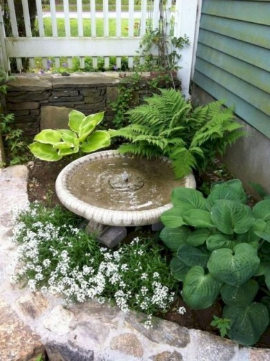 Fresh And Beautiful Side Yard Decoration You Must Have 34
