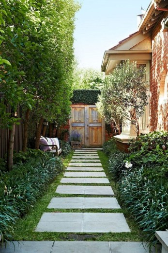 Fresh And Beautiful Side Yard Decoration You Must Have 35