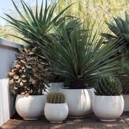 Garden Decor Modern And Glamorous For A Big House 15