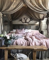 Romantic Master Bedroom Décor Ideas On A Budget 05