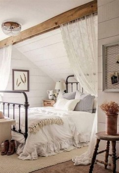 Romantic Master Bedroom Décor Ideas On A Budget 06