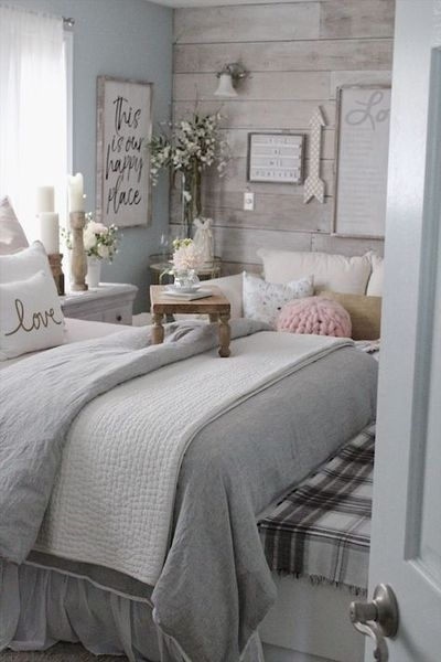 Romantic Master Bedroom Décor Ideas On A Budget 15