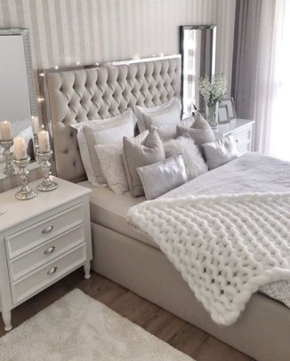 Romantic Master Bedroom Décor Ideas On A Budget 39