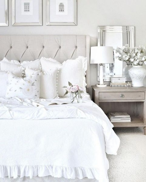 Romantic Master Bedroom Décor Ideas On A Budget 41