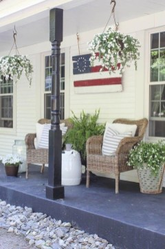 Awesome Summer Porch Decoration Ideas 15