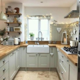 Best DIY Farmhouse Kitchen Decorating Ideasl 19